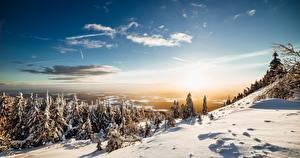 Hintergrundbilder Berg Winter Landschaftsfotografie Himmel Schnee Bäume Sonne Fichten