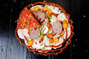 Bilder Pizza Wurst Pilze Gemüse Bretter Ketchup