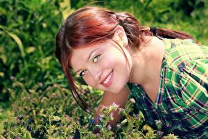 Fotos Rotschopf Blick Lächeln Haar junge frau