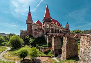 Hintergrundbilder Rumänien Burg Brücken Corvin Castle