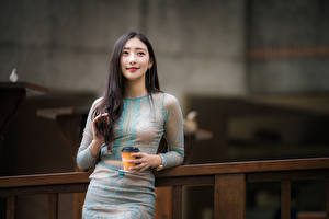 Hintergrundbilder Tee Asiaten Hand Niedlich Brünette junge frau