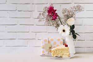 Fotos Valentinstag Gerbera Rose Törtchen Wände Vase Ast Geschenke Herz Blüte Lebensmittel