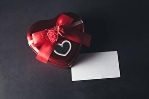 Fotos Valentinstag Rose Grauer Hintergrund Geschenke Herz Vorlage Grußkarte Schleife