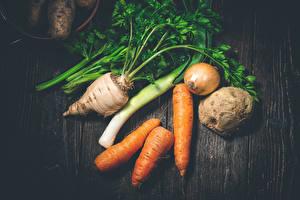 Hintergrundbilder Gemüse Mohrrübe Zwiebel Bretter Lebensmittel