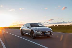 Bakgrundsbilder på skrivbordet Volkswagen Går Grå Metallisk Arteon 4MOTION Elegance Worldwide bil