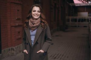 Bilder Unscharfer Hintergrund Mantel Lächeln Braune Haare Alena, Kirill Sokolov junge frau