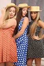 Bakgrunnsbilder Alexa Only Laura Hollyman Elle M Only Tre 3 Hatt Blond jente Brunt hår kvinne Kjole Hender Unge_kvinner