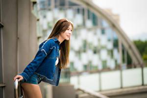 Bilder Asiaten Bokeh Shorts Braunhaarige junge frau