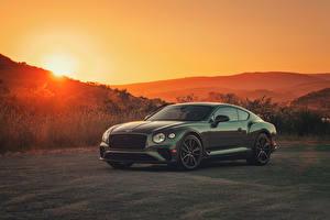 Hintergrundbilder Bentley Grün Metallisch 2020 Continental GT V8 Autos