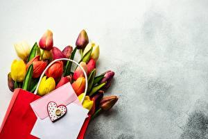 Fotos Sträuße Tulpen Valentinstag Tüte Vorlage Grußkarte Blumen