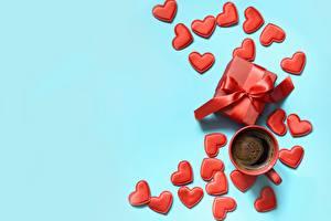 Hintergrundbilder Kaffee Valentinstag Herz Tasse Schachtel Geschenke Farbigen hintergrund