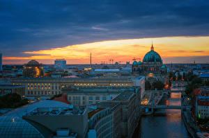 Fotos Deutschland Berlin Gebäude Fluss Brücke Abend Städte