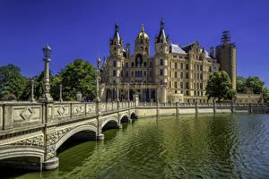 Fotos Deutschland Burg Fluss Brücke Straßenlaterne Palast Schwerin Palace Städte