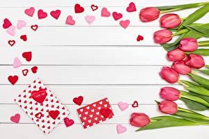 Fotos Tulpen Valentinstag Herz Bretter Vorlage Grußkarte Blumen