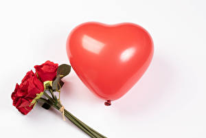 Pictures Valentine's Day Bouquets Roses White background Red Balloons Heart flower