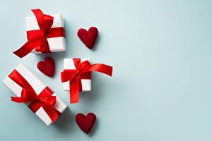 Hintergrundbilder Valentinstag Geschenke Schleife Herz Vorlage Grußkarte Farbigen hintergrund