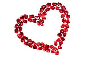 Tapety na pulpit Walentynki Granat Na białym tle Serduszko Ziarna żywność