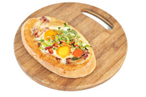 Photo Vegetables Khachapuri White background Cutting board Fried egg Food