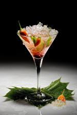 Fotos Alkoholische Getränke Chili Pfeffer Cocktail Weinglas Eis das Essen