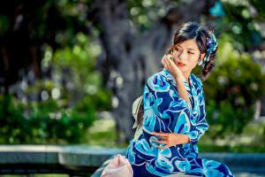 Hintergrundbilder Asiatische Bokeh Kimono Hand Brünette junge frau