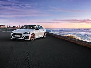 Desktop hintergrundbilder Audi Weiß Metallisch 2019-20 RS 5 Sportback Worldwide Autos