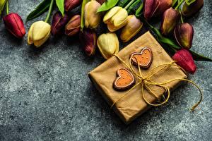 Bilder Sträuße Tulpen Valentinstag Herz Schachtel Geschenke Blüte