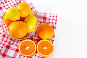 Bilder Zitrusfrüchte Zitronen Apfelsine Mandarine Weißer hintergrund das Essen