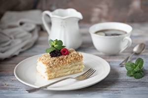 Bilder Kaffee Beere Törtchen Teller Essgabel das Essen