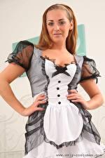 Bilder Daisy Watts Magd Uniform Braune Haare Starren Hand junge frau