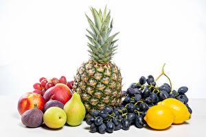 Tapety na pulpit Owoce Ananasy Winogrona Cytryny Gruszka Figi Jabłka Na białym tle Jedzenie