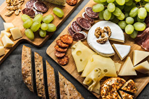 Wallpapers Grapes Cheese Sausage Bread Cutting board Sliced food Food