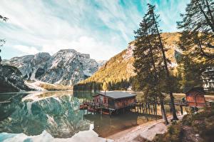 Fonds d'écran Italie Montagne Lac Arbres Braies Lake, South Tyrol Nature