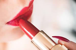 Bilder Lippenstift Großansicht Rote Lippen Maniküre Mädchens