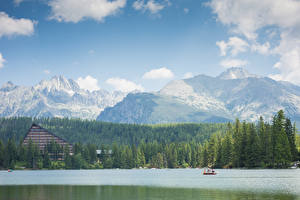 Hintergrundbilder Berg Wälder See Boot Slowenien Tatra mountains