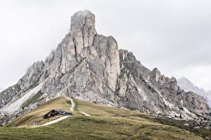 Fonds d'écran Montagnes Italie Dolomites, La Gusela Peak