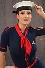 Hintergrundbilder Petra Vachouskova Uniform Hand Der Hut Starren Krawatte junge frau