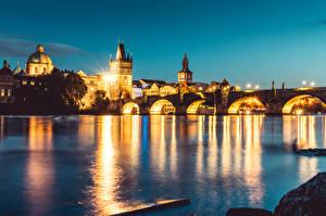 Bilder Fluss Brücken Prag Tschechische Republik Karlsbrücke Abend Vltava river Städte