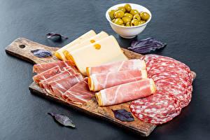 Fotos Wurst Schinken Käse Oliven Schneidebrett Geschnittenes