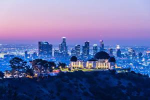 Sfondi desktop Stati uniti La casa Serata California Los Angeles Megalopoli Raggi di luce Griffith Observatory
