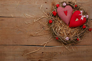 Pictures Valentine's Day Wood planks Nest Straw Heart Bow knot
