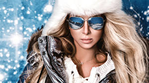 Pictures Winter Blonde girl Glasses Model Reflected Girls