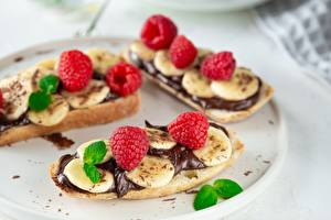 Hintergrundbilder Butterbrot Himbeeren Schokolade Bananen
