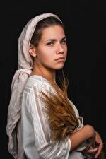 Bilder Kleid Ähren Hand Starren junge frau