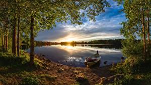 Papel de Parede Desktop Floresta Barcos Rio Tarde Pôr do sol Finlândia árvores Oulu, River Oulujoki Naturaleza