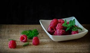Pictures Raspberry Bowl Mint