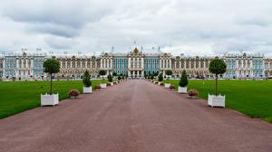 Картинки Россия Санкт-Петербург Дворец Газоне Catherine Palace Города