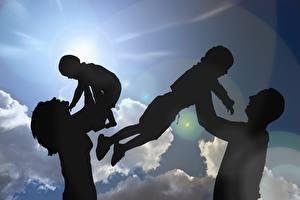 Fondos de Pantalla Cielo Madre Sol Nube Silueta Familia Сuatro 4 Niños imágenes
