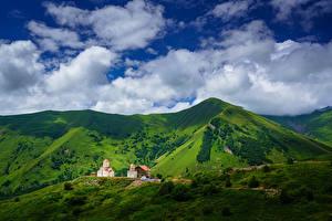 Fotos Himmel Gebirge Kirchengebäude Georgien Wolke Gudauri, Mtskheta-Mtianeti, Amaglebis Church Natur