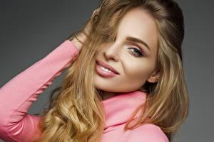 Fotos Lächeln Model Schminke Haar Blick