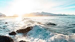 Hintergrundbilder Sonnenaufgänge und Sonnenuntergänge Stein Wasserwelle Gebirge Spritzwasser